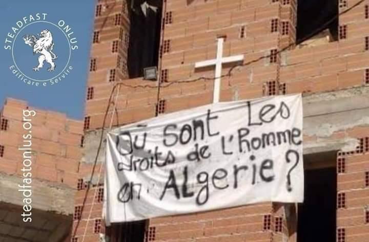 Aumentano le persecuzioni contro i cristiani in Algeria