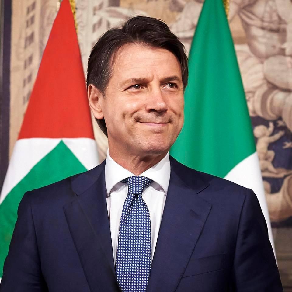 In Italia più poveri, schiavi del super governo che fa cadere dalla tavola le briciole
