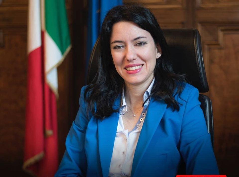 """Il costituzionalista: """"Azzolina peggior Ministro dell'Istruzione di questa Repubblica di carta"""""""