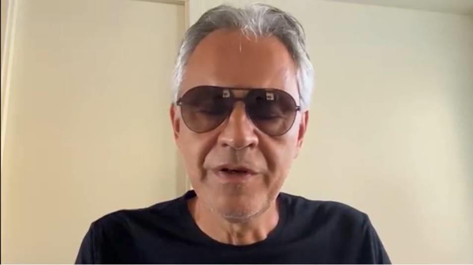 """Covid-19. Convegno dei """"negazionisti"""": Andrea Bocelli costretto a chiedere scusa"""