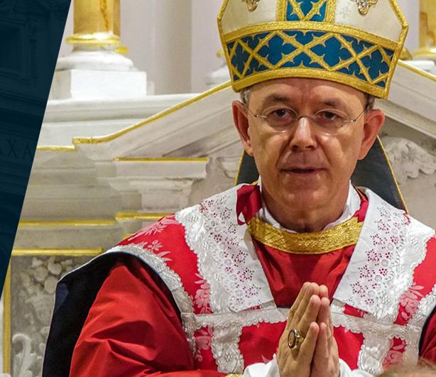 """Mons. Schneider lancia il """"giorno di riparazione per i crimini contro la Santissima Eucaristia"""""""