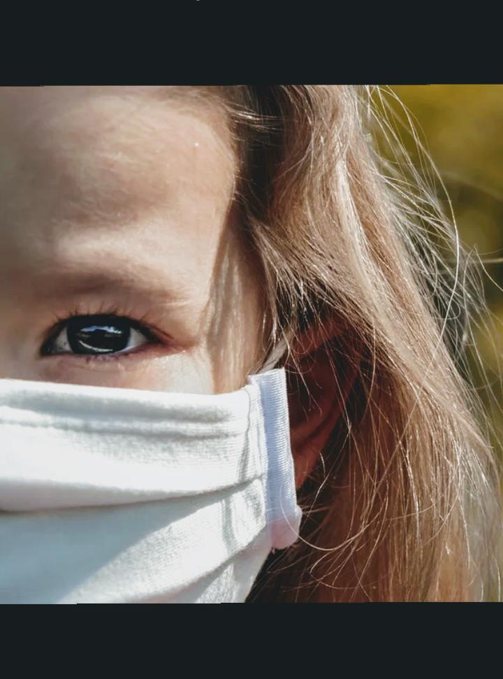 Le mascherine e i bambini abusati da pedofili
