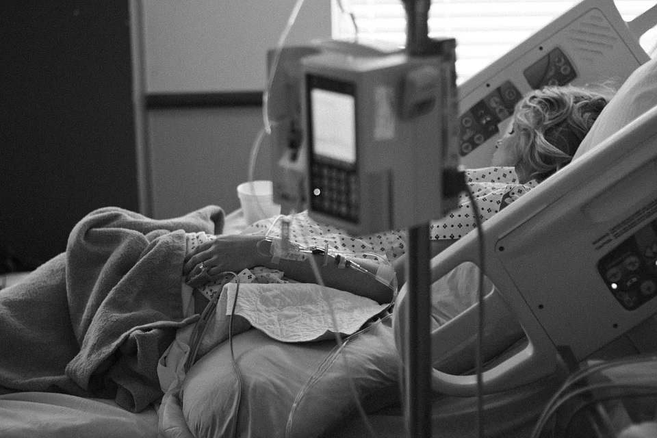 La morte di Stato non introduce la libertà di scelta ma spinge i malati a uccidersi