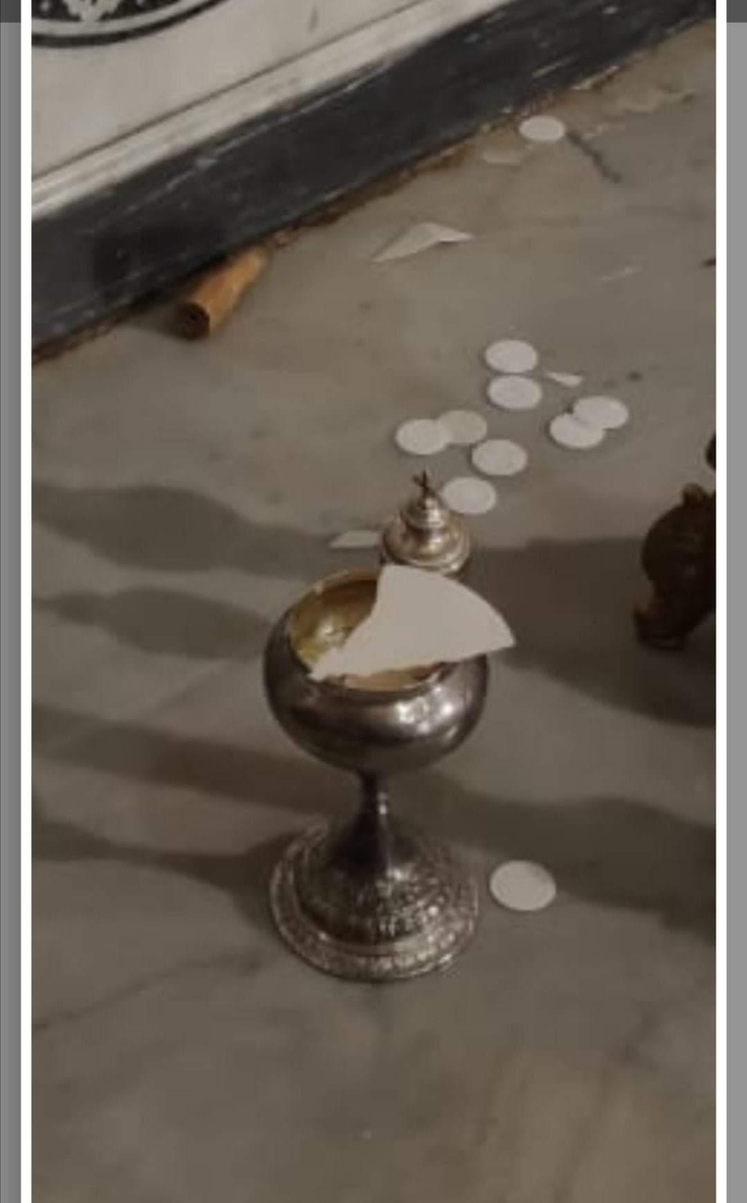 Ladri danneggiano la Chiesa di Sant'Agata e profanano le particole consacrate. Arrestati